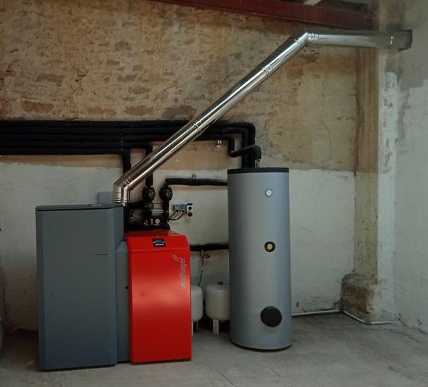 Instalación de caldera de pellet